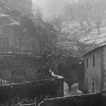 Veduta di un Paese sotto la Neve 1904