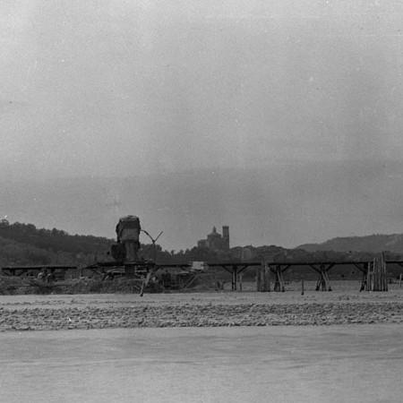 Ponte in costruzione tra Albiano magra e Caprigliola 1906