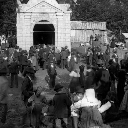 Inaugurazione della Cappella del Redentore al Faggio Crociato 1900