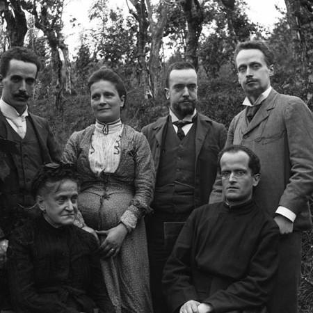Gruppo si famiglia a Casa degli Orti 1904