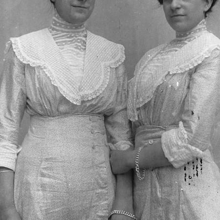 Enrica e Antonietta Raffaelli 1912